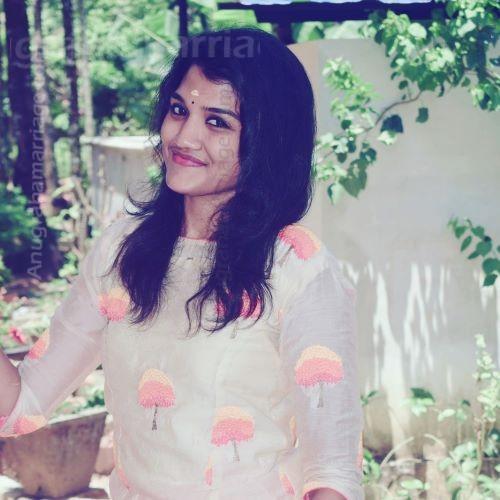 Sruthi (Rohini - sudham) 9946032125