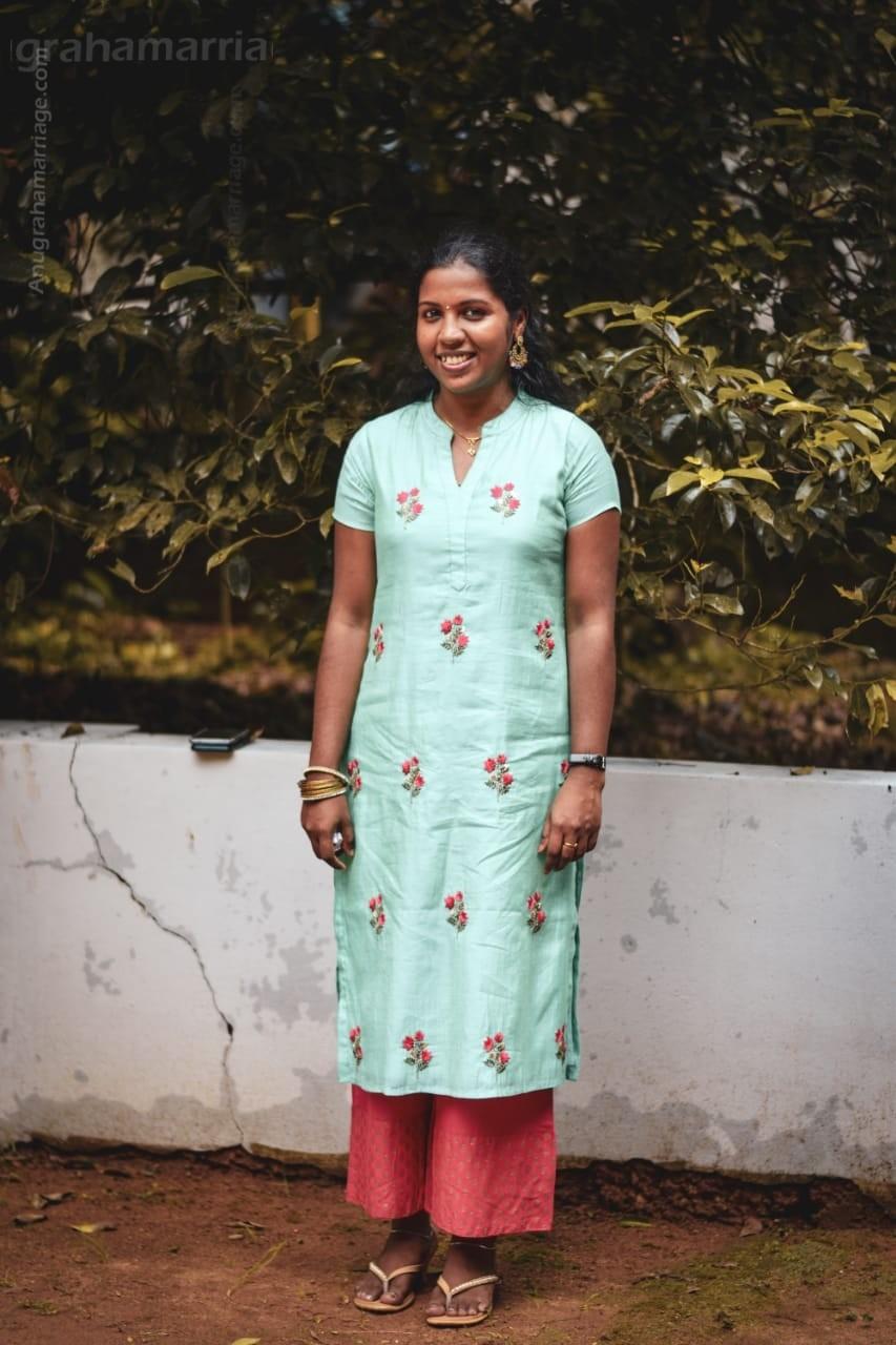 Anuja Achuthan (Chathayam-Sudham) 9447775788