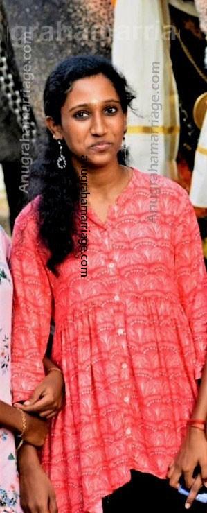 Amrutha Viswanathan (Thiruvathira - Papam) 9048316419