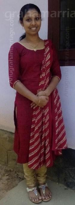 Rakhi Raveendran (Pooradam -1/2 dosham)9446722779