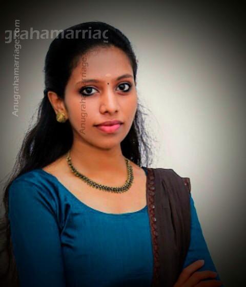 Rehna Suresh-Padanna (Karthika) 9567395688