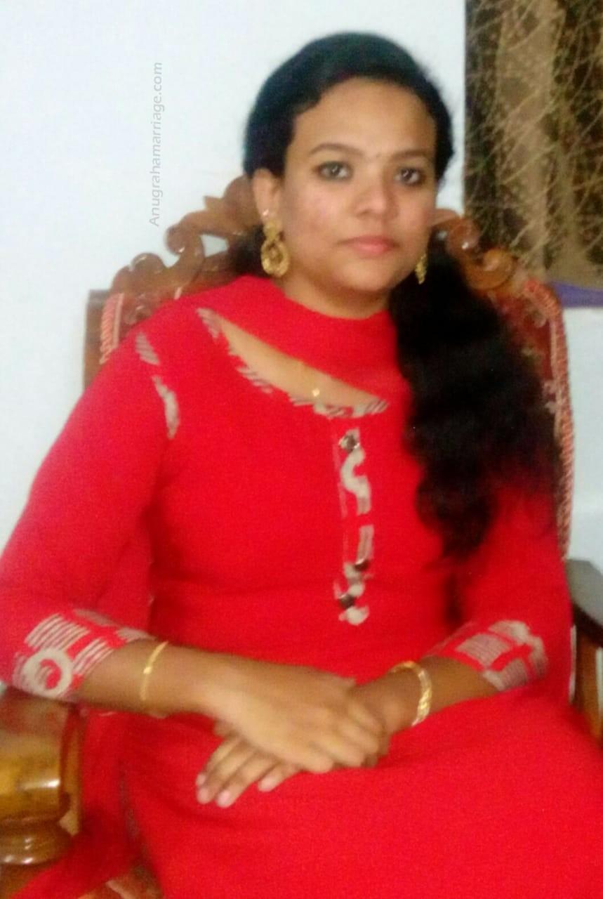 Sreelakshmi (Thrikketta - Sudham) 9895076238