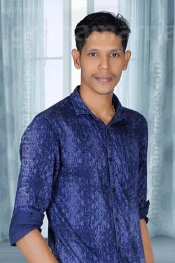 Vineesh K.V (makeeryam) 9495337238