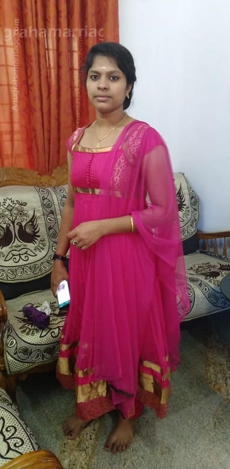 Priya Lohidakshan (Ayillyam) 8330040178