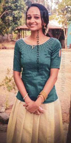 Sreelakshmi (chathayam - Sudham) 9048677610
