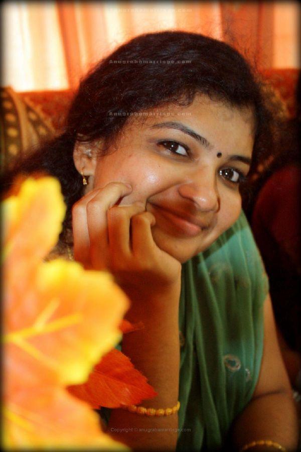 Remya Manohar (Chothi) - 8893387579