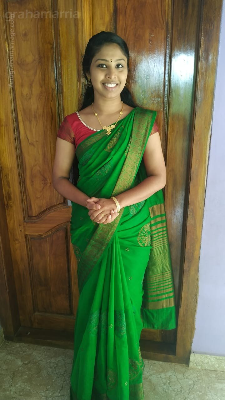 Rakhi Raveendran (Pooradam -/ dosham)