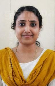 SANTHINI -Ezhuthachan Divorced  (Ayiliyam ) 9539834712