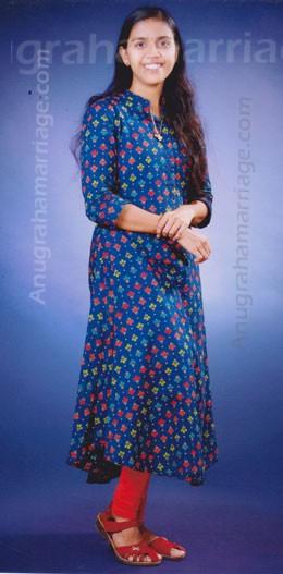 Sreedevi (Chithira -1/2 Dosham) 9447 176545