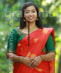 Sandra - Dheevara (DIvorced - Pooyam)