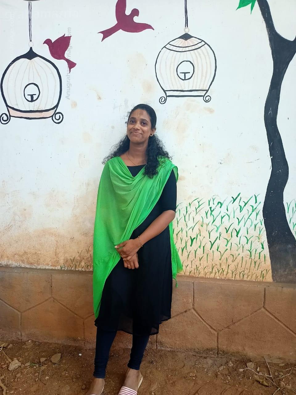 Amrutha _Dheevara (Karthika)