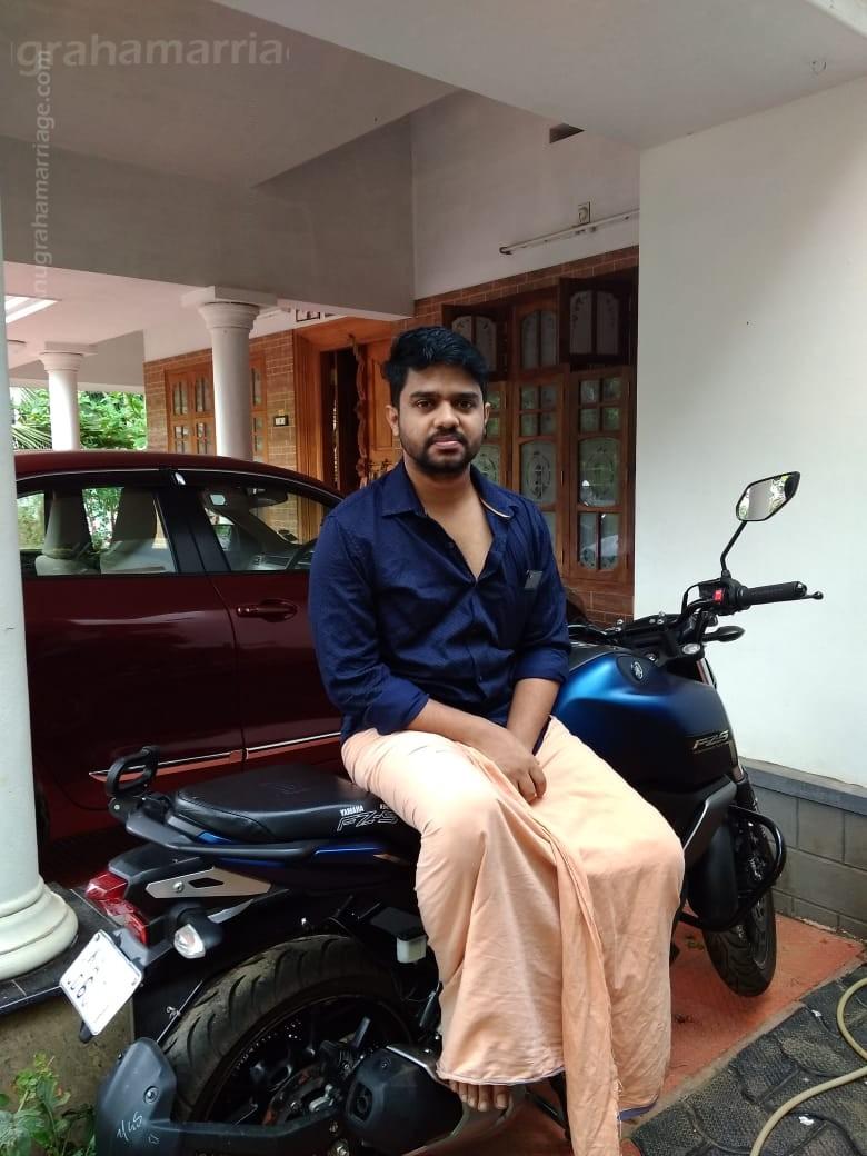 Bharatraj P.R. (Punartham) 9947634678