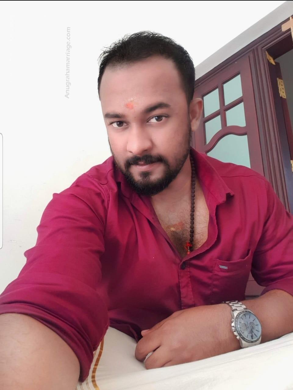 Dhinil Surendran (Poororuttathi) 8113008118