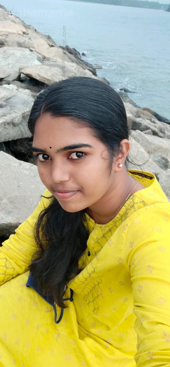 Midhu Murali (Pooruruttathi)